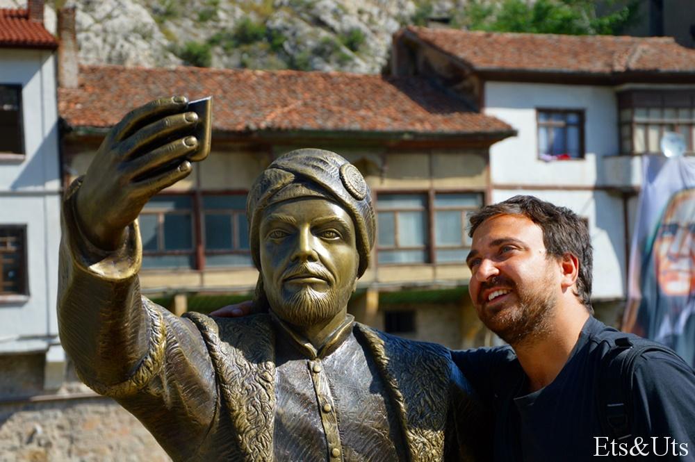 El Sr. Ets no pudo resistirse a hacerse un selfie con él!