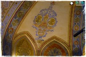 Frescos de yeso en las paredes pintados en tonos pasteles... para ayudar a la relajación