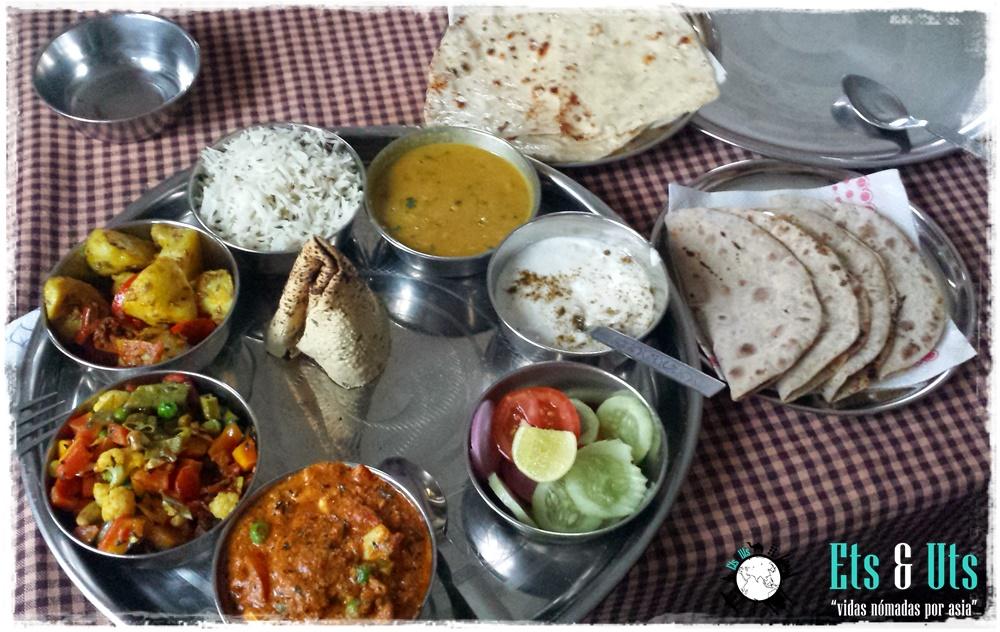 Thali comida India